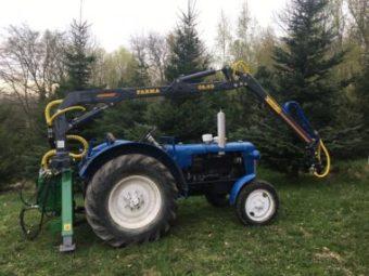 Traktor a hydraulická ruka C 6,3G2