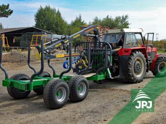 9 tonová vyvážačka Farma, dosah hydraulickej ruky 6,3 metrov + traktor Zetor 12145