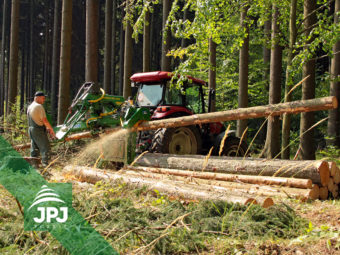 Nesený traktorový procesor Farma N + traktor CASE