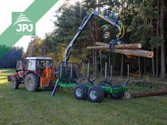 Traktor Zetor + vyvážačka dreva Farma CT 6,3-9