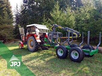 Vyvážacie vlek Farma CT 3,8-6 G2 s traktorom Zetor 7011