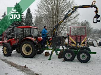 Vyvážacie vlek Farma CT 4,2-6 G2 a traktor Zetor 7341